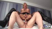 Stefani Boots – Mature French Beauty Shows