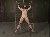 Insex – Model 922 Tackles Insex (Live Feed From October 18, 2003)
