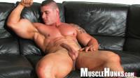 MuscleHunks – Brian Gunns – Brian's Bulging Buffness