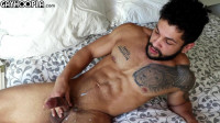 GayHoopla – Big, Muscled Texan Stud Stephen Mann With A Big Dick (720p)
