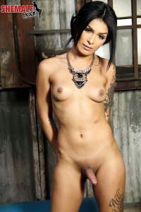 Beautiful Aubrey Starr Strokes Her Cock