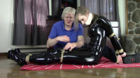 Cobie Entangled In Rope – Very Tall Dirty Blonde Cat Burglar