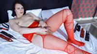 Elana Varnava's Creamy Debut