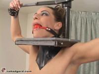 Kali Kane Meets The L-Stand – Lydia McLane And Kali Kane