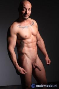 MaleModelNL Jozef Very Muscular Posing Nude