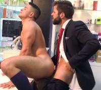 Hands Tied – Hector De Silva & Robbie Rojo