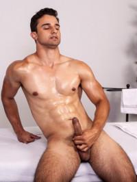 College Hunk Ezra Finn Sticks His Dick In A Fleshjack – 720p