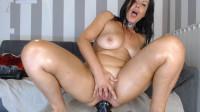 Horny naughty elle