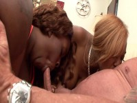 Download Prick gets orally satisfied by two chocolate hookers