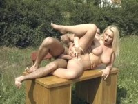 getting table (Outdoor pussy pleasuring).
