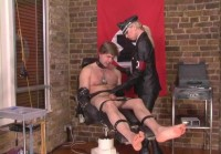 domina video (The Punishment Chair)...