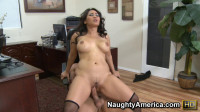 Curvy Jessica Bangkok fucking in the chair