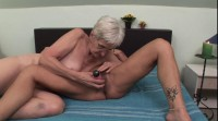 Sexy grannies use sex toy for bigger pleasure