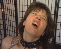Chain in her pussy