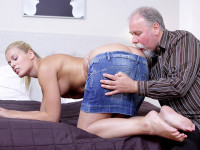 Download After getting her pussy licked it is only fair she suck on this old guy's cock!