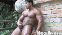 Musclehunks — Brutus Di Fino
