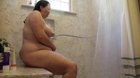 Laura the Foodie — Shower and Orgasm