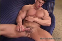 MuscleHunks - Zeb Atlas - Zeb Unzipped