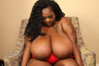 Download Zariah June make her huge tittys twerk