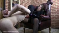 Mistress Courtney Fetish Lair Suck