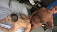 Daddy Bear Drills A Twink (720p)