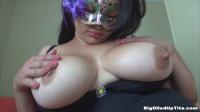 mature boob liseth warming up