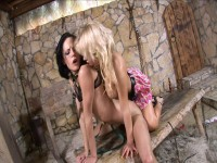 Aliz and Britney enjoy each other's love holes