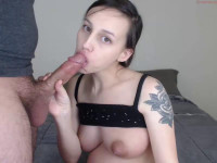 Pregnant sucks on webcam