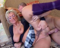 Download Busty cougar knows the secrets