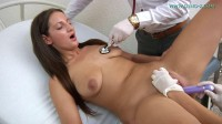 Laura Noiret (22 years girl gyno exam)