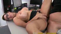 Mia Linz - Batendo meta com o cliente