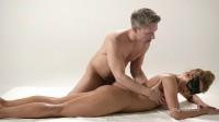 Blindfold Massage (Chrissy Fox)