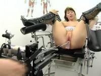 Hausfrauen Maschinell Befriedigt