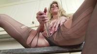 pantyhosed ashleigh mckenzie pantyhosed housewife bitch