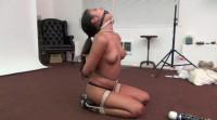 drea kneeling neck up predicament