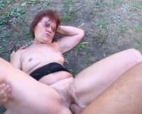 Mature woman sucking it
