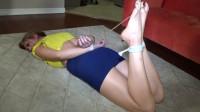 Leggy milf size 11 feet toe bound
