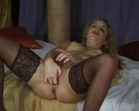 Download Hot beauty wants sex