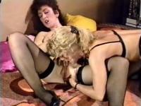30 Lesbische Girls im Orgasmusfieber (1994)