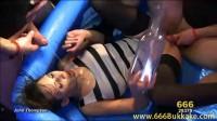 download video (Viktoria und die Piss - Karaffe)!