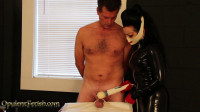 con online nurse table (Tormented and the Latex Nurse)...