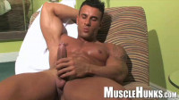 MuscleHunks — Gianluigi Volti — Italian Muscle Man