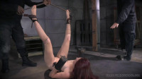 Ashley Lane Leads Off Her Live Feed With An Intense Inverted Suspension