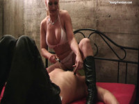 Young-femdom - The cheeky Musk Man