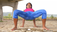 Outdoor Yoga - Isabella Christin - Full HD 1080p