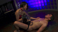Real Mistress: The Full Breaking In Of Queen