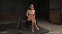 tight pussy orgasms (Toned all natural Mona Wales shackled onto sybian).