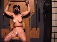 Xtremes play with slave Kirsten...