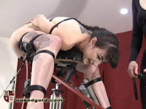 Natalie Minx Foldy Fucked [2016,House of Gord,Natalie Minx,cinch straps,barefoot,fucking machines][Eng]