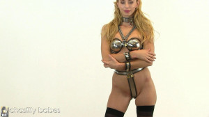 Gorgeous In Chastity - Dominique [Eng]